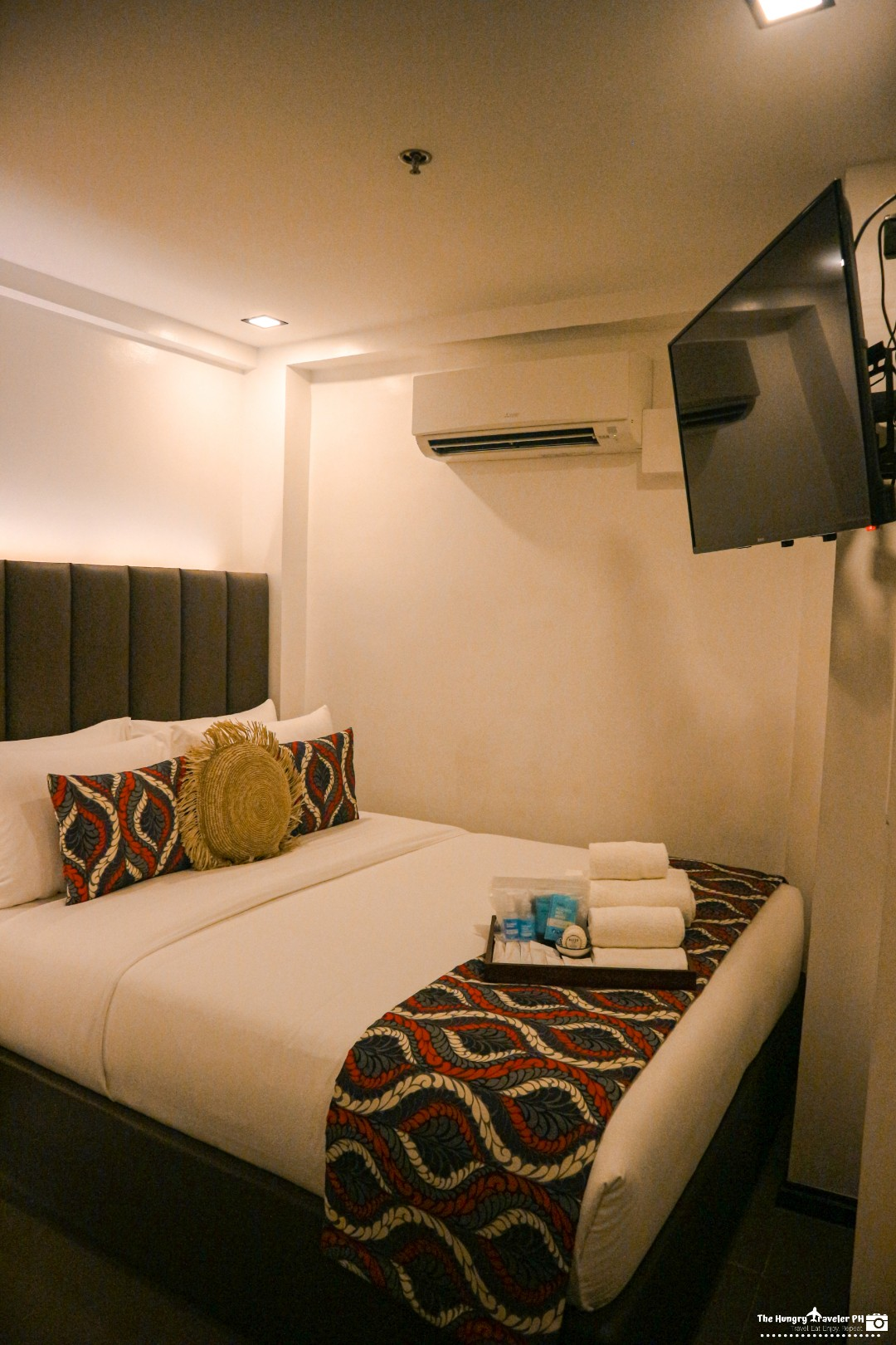 unwnd lux hostel